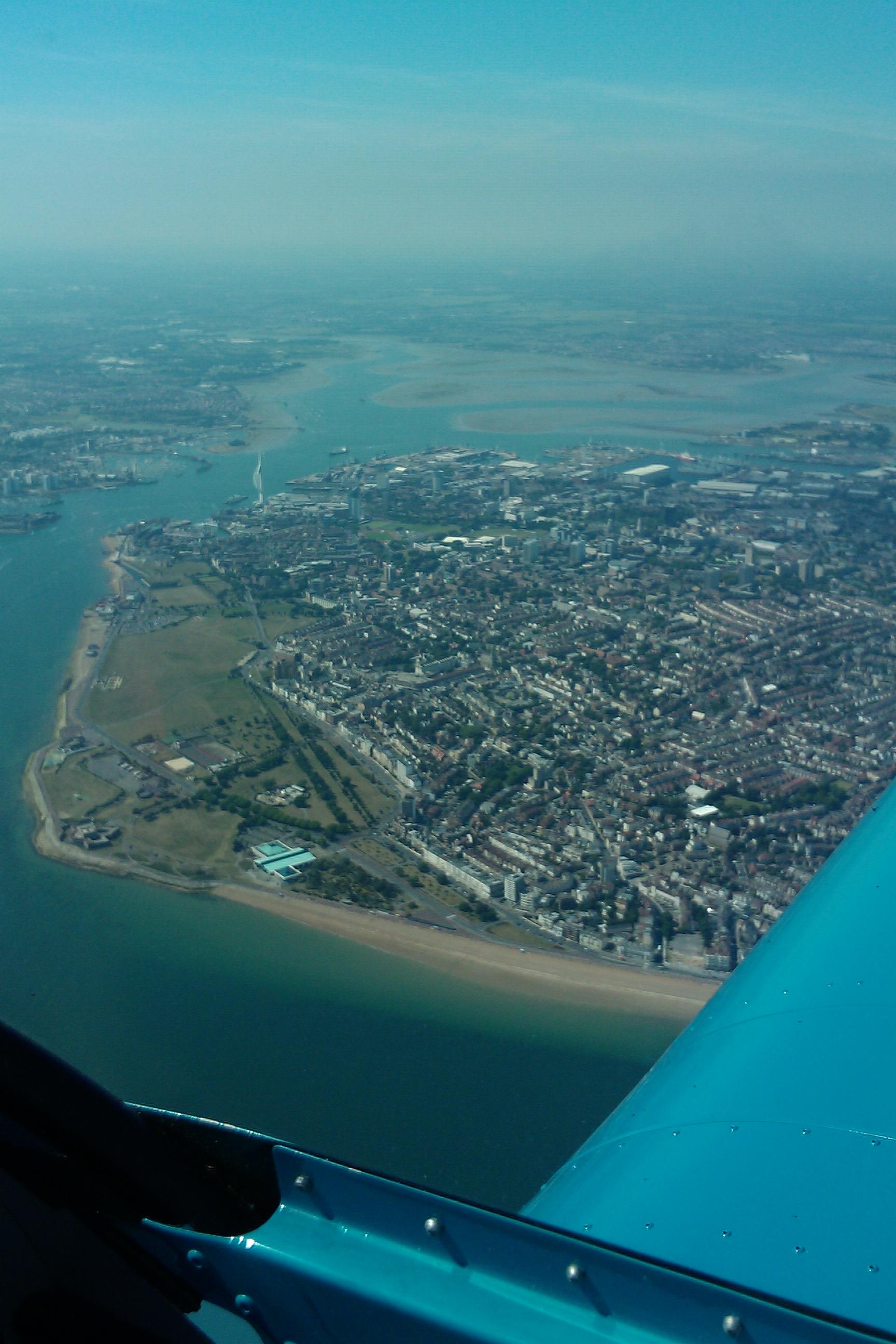 Wednesday - Spinnaker Tower (Portsmouth) /images/flyuk-2010/IMAG0186.jpg